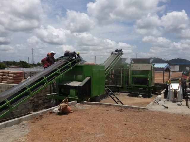 ACCRA BLOCK factory hallow block solid block 5 640x480 Key Materials in Building in Ghana : Block