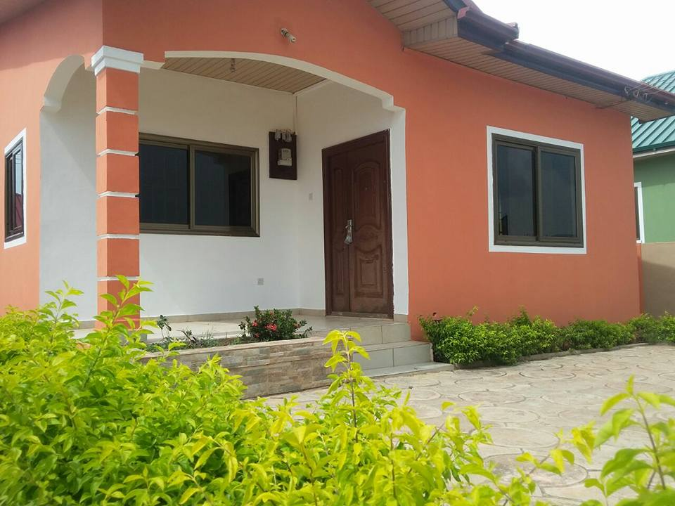 2 Bedrooms House For Sale At Ashaley Botwe Houses For Sale Houses For Rent In Ghana