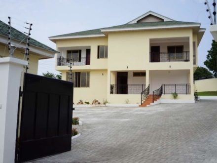 3.5 Bedro­om Stand­alone House to let in Cantonments 1 2 440x330 Homepage