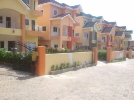 5 Bedroom Townhouse w Pool to let in Cantonments 16 440x330 Homepage
