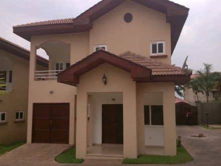 4 Bedroom Townhouse Pool to let in Airport Residential Area 1 440x330 Homepage