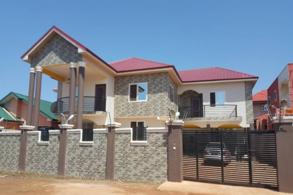 5 bedroom house for rent at spintex  houses for sale