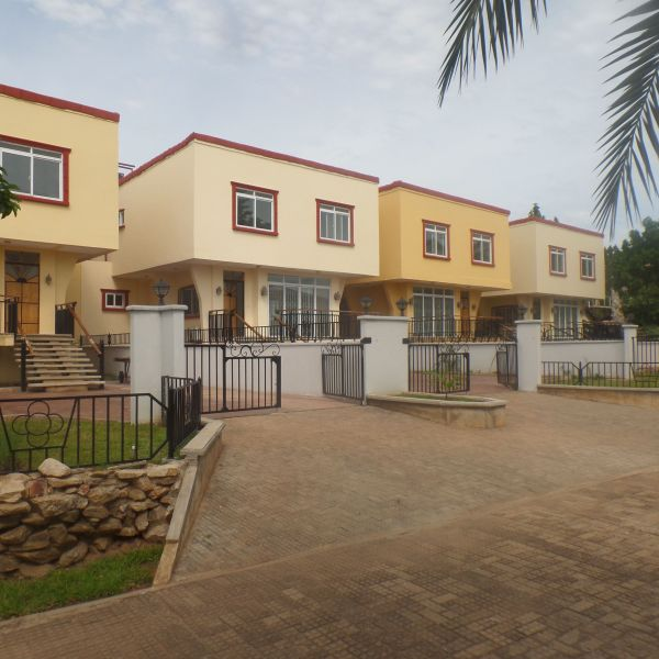 House For Rent 4 Bedroom: 4 Bedroom Townhouse For Rent In East Airport