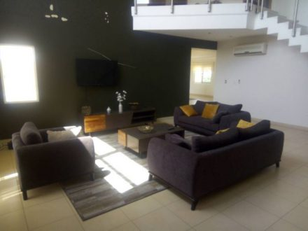 THREE BEDROOM PENTHOUSE FOR RENT IN AIRPORT 4 440x330 Homepage