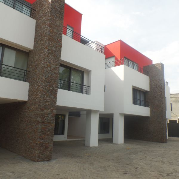 Rent 3 Bedroom House: 3 Bedroom Townhouse For Rent In Cantonments