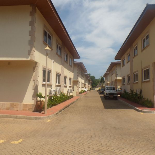3 Bedroom Townhomes For Rent: 3 Bedroom Townhouse For Rent In Cantonments