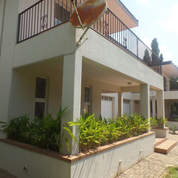 Three Bedroom Rentals: 3 Bedroom Townhouse For Rent In Cantonments, Accra