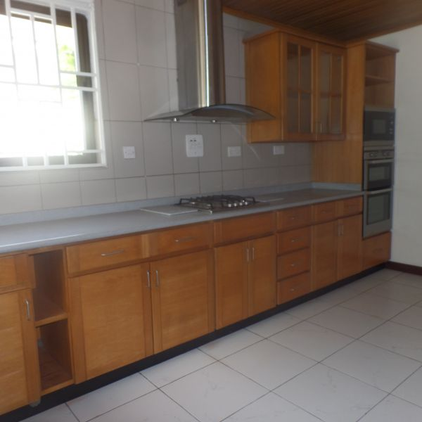 Www Townhouses For Rent: 3 Bedroom Townhouse For Rent In Cantonments