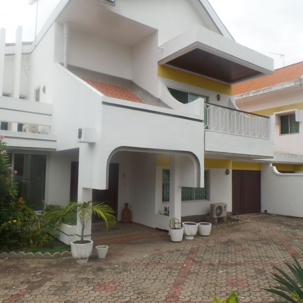 Apartments Townhouses Houses For Rent: 4 Bedroom Townhouse For Rent In Cantonments