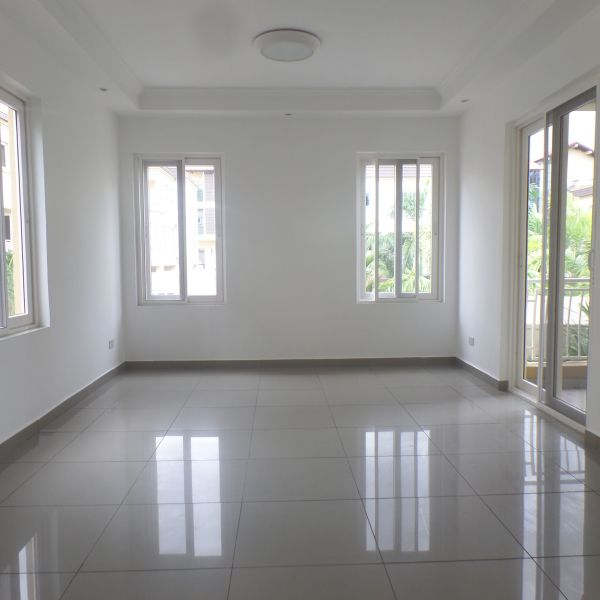 3 Bedroom Townhouse For Rent In Airport