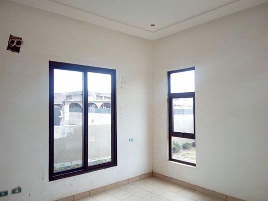 3 bedroom executive houses for sale at Adjiringanor 8 3 bedroom executive houses for sale at Adjiringanor 8
