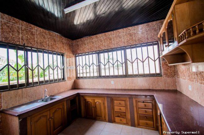 4 Bedrooms House for Rent Around Dede Ayews Place 3 650x430 4 Bedrooms House for Rent Around Dede Ayews Place   3