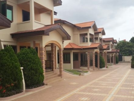 4 Bedroom Townhouse w Pool to let in Cantonments 1 440x330 Homepage